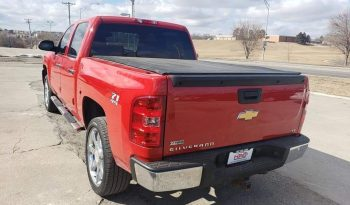 2010 Chevrolet Silverado Z71 – 4 Door Pickup Truck full