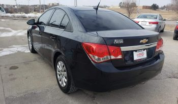 2011 Chevrolet Cruze – 4 Door Sedan full