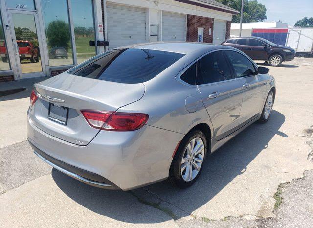 2015 Chrysler 200 Limited full