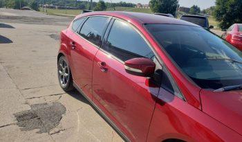 2013 Ford Focus SE – 4 door hatchback full