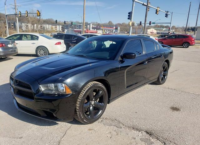 2012 Dodge Charger SXT full