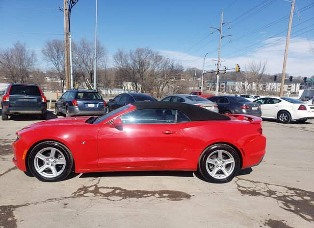 2019 Chevrolet Camaro Convertible 1LT full